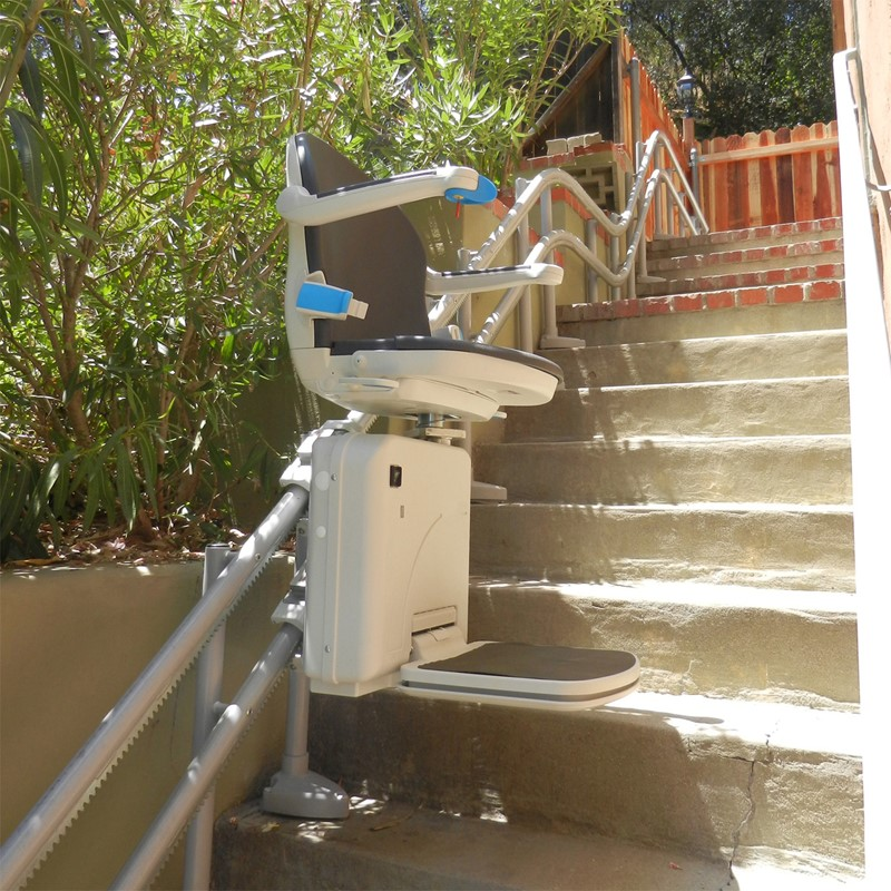 Sterling 2000 Outdoor Curved Stair Lift