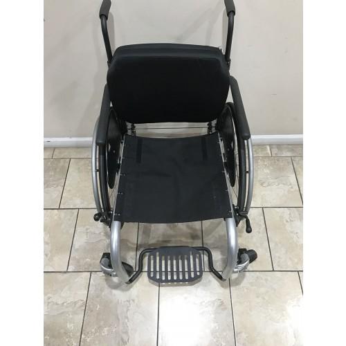 Top view of Ki Mobility Rogue TTL Ultralight Rigid Wheelchair