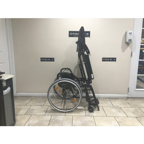 LEVO LAE Standing Manual Wheelchair