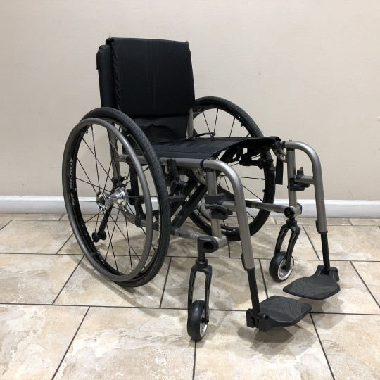 Manufacturer Demo TiLite 2GX Folding Titanium Wheelchair