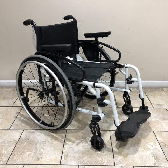 Manufacturer Demo TiLite Aero X Series 2 Aluminum Folding Manual Wheelchair