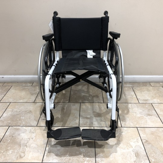 Front view of Manufacturer Demo TiLite Aero X Series 2 Aluminum Folding Manual Wheelchair
