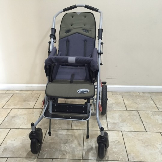 Front view of Patron Tom 4 Xcountry STD Stroller
