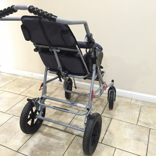 Back view of Patron Tom 4 Xcountry STD Stroller