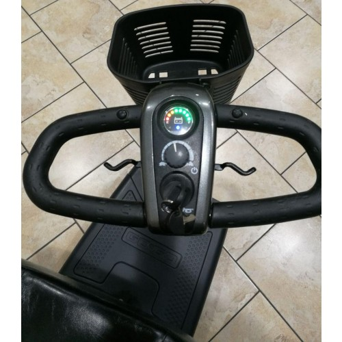 Controls and Handles on Pride Go-Go Elite Traveller Plus 3-Wheel Mobility Scooter