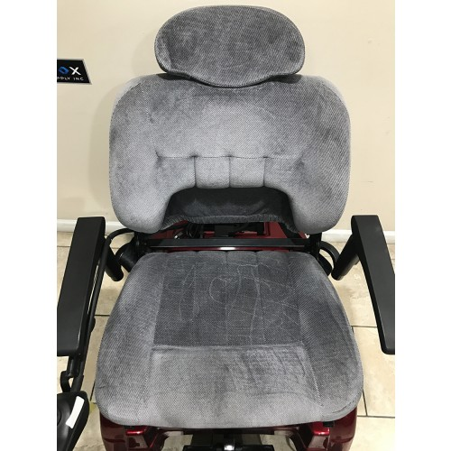 Front view of Pride Jazzy 1170 XL Plus Power Wheelchair