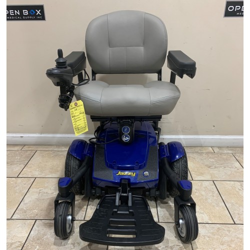 Front view of Pride Jazzy Select 6 With Custom Elevating Seat