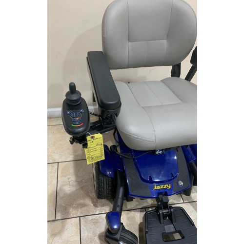 Pride Jazzy Select 6 With Custom Elevating Seat