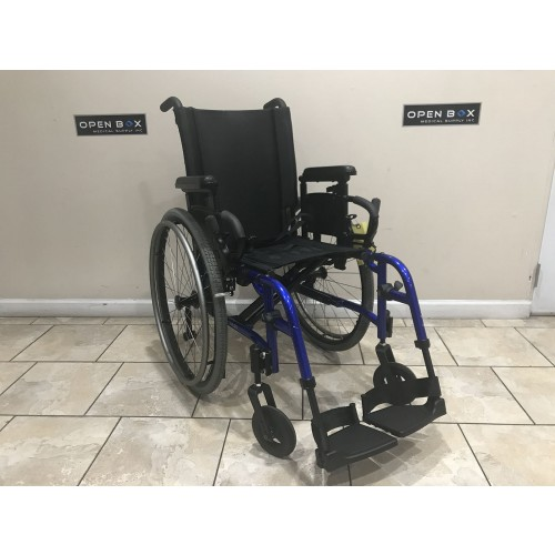 Quickie QXi Folding Ultra Light Wheelchair