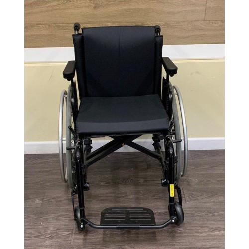 Front view of TiLite Aero X Series 2 Aluminum Folding Manual Wheelchair