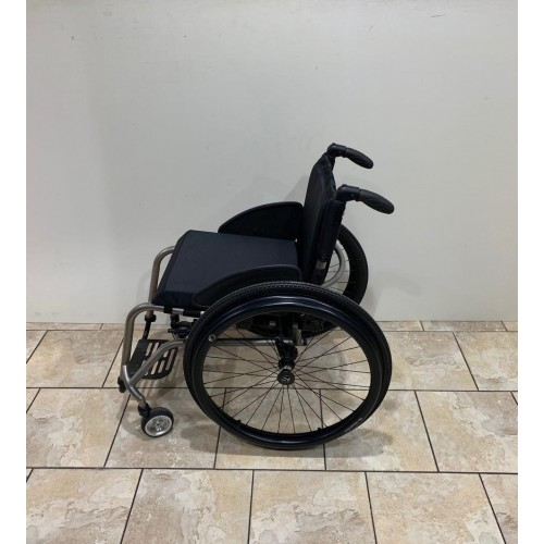 Side view of TiLite TR Rigid Ultralight Wheelchair