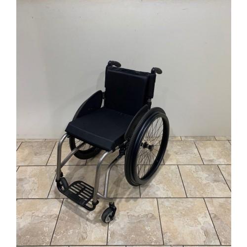 TiLite TR Rigid Ultralight Wheelchair