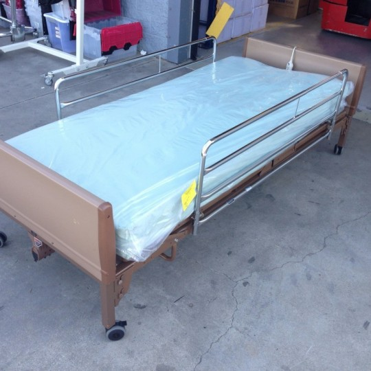 used-invacare-semi-electric-bed-package-foam-air-mattress-13
