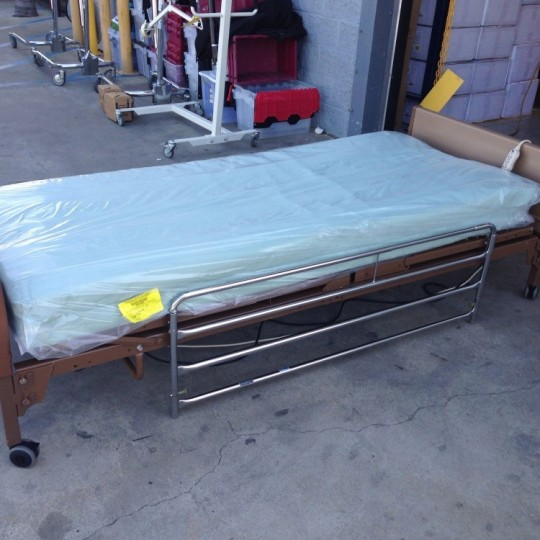 used-invacare-semi-electric-bed-package-foam-air-mattress-8