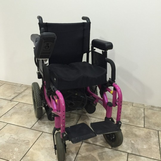 Used Quickie V-521 Power Wheelchair