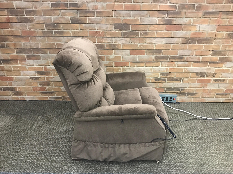 Open Box Golden Technologies Cambridge Pr 401 Lift Chair