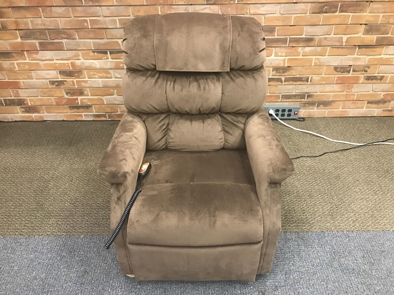 & Open Box Golden Technologies Cambridge PR-401 Lift Chair