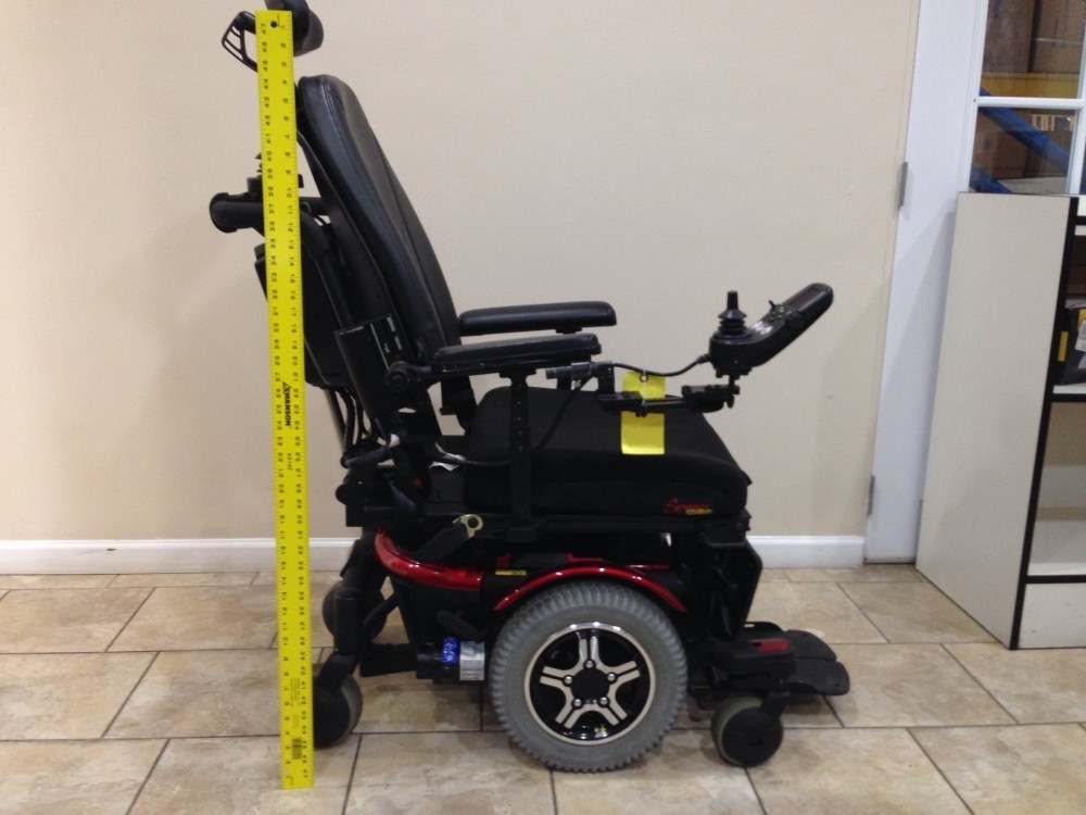 "Quantum 600 power wheelchair   tilt & legs   20""x 20"" seat   mid."